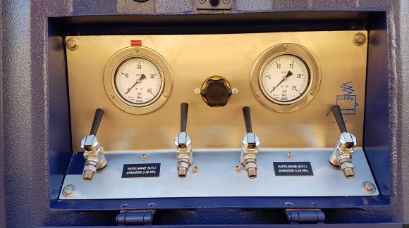 Kontener PZZP - system zasilania powietrznego dla wojsk inżynieryjnych.